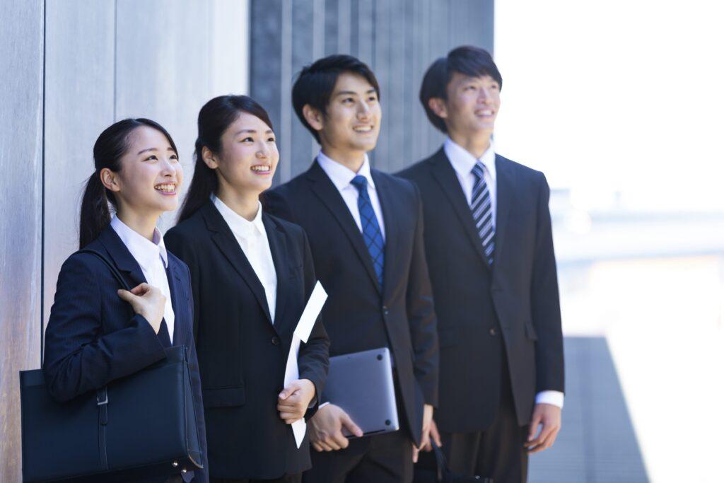 大手企業とベンチャー企業の情報展開とは