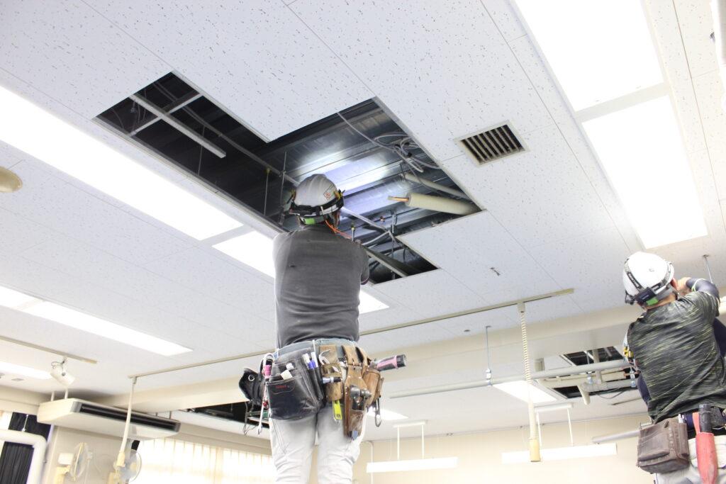 オーソリティー空調 施工現場 天井
